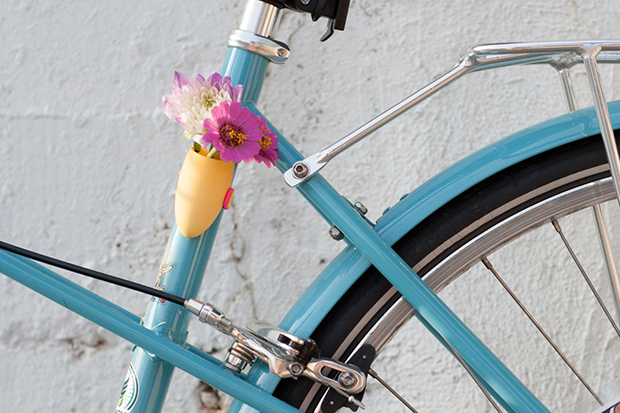 follow-the-colours-vasos-flor-3D-bicicletas-planter-wearable-Colleen-Jordan-05